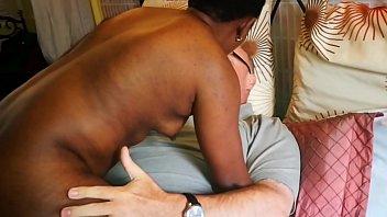 Азиатская медичка удовлетворяет анальную вульву на работенке в госпиталю
