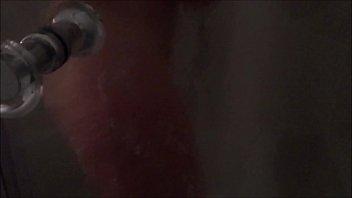 София на веб камеру онанирует нежную мокрощелку