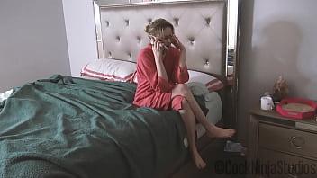 Зрелый оператор вставил хуй в пизду молодой актрисы на порно кастинге